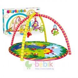 Детский игровой коврик круглый с погремушками на подвеске